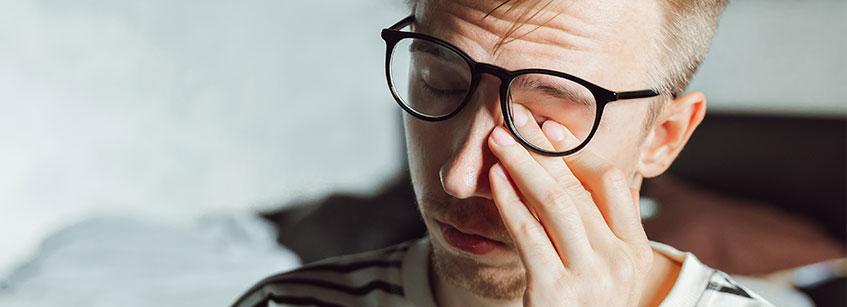 enfermedad de tourette, sindrome de tourette sintomas, que es el sindrome de tourette, tics vocales,